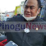 Wakil Ketua DPR saat di wawancarai media usai kunjungan di Warung Kopi Amal.