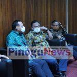 Wakil Ketua DPR Rachmat Gobel saat bersama Ketua KPK Firly Bahuri dan Menko Polhukam Mahfud MD