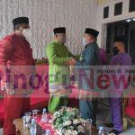 Ketua DPRD Bonebol Halid Tangahu saat berpamitan pulang.