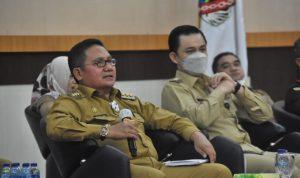 Walikota Gorontalo bersama Wakil Walikota Gorontalo saat mengikuti Rapat Forkopimda Provinsi Gorontalo