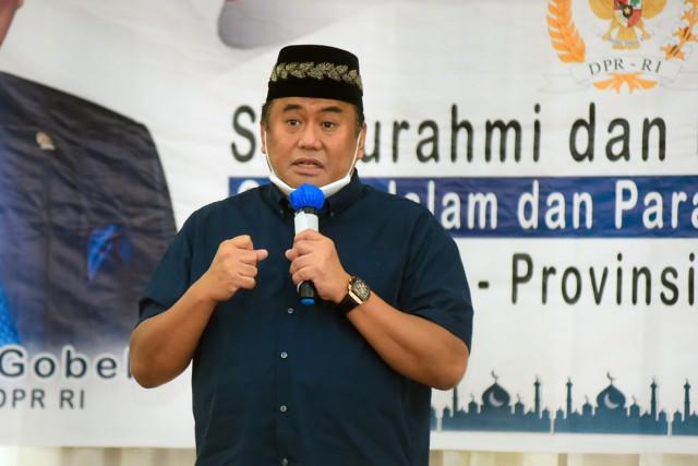 Rachmat Gobel Minta Pemda Tingkatkan Kualitas Pendidikan Gorontalo